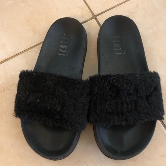 separation shoes bc3a3 892c8 Fenty Puma Sandals